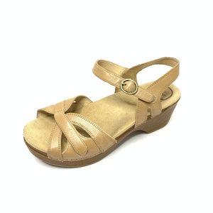 [Dansko] Season tan leather sandal #982